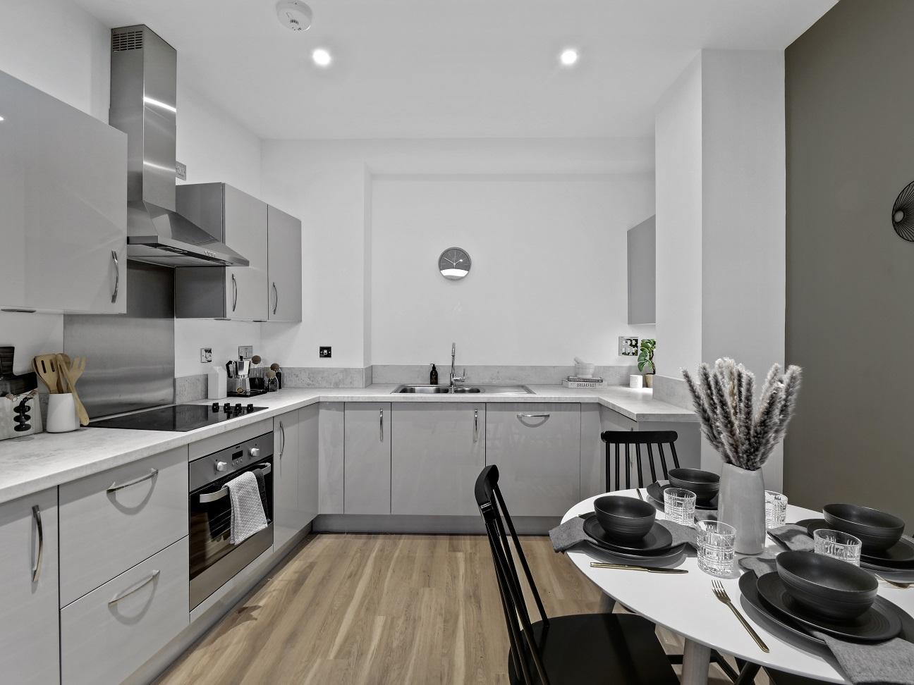 Oaklands Rise kitchen 2.jpg